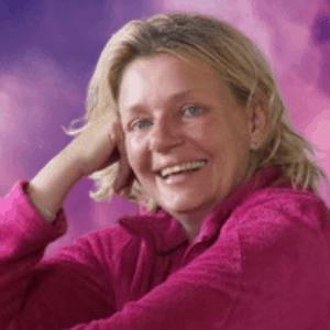 Muriel Troianowski Psychotherapeute Gap rose sq 300x300 min